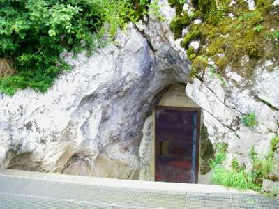 Grotte de Gargas entrance