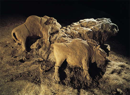 bison clay sculpture